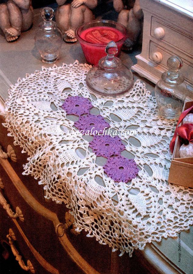 Дорожка-салфетка с цветами