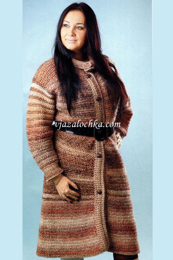 Теплое пальто вязаное крючком